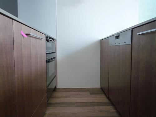 取り付けられたフルオーダーキッチンの写真を追加~建築工程レポート
