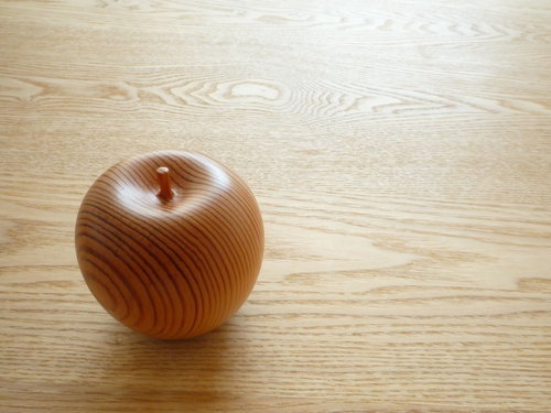 木のリンゴ