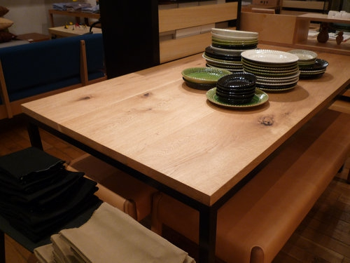 ランドスケーププロダクツのTights Dining Tableを見にPlaymountainに行ってきました