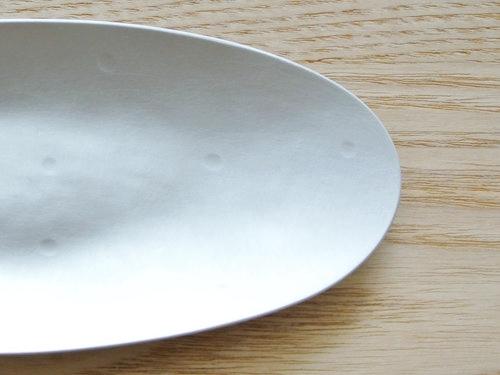 坂野友紀さんのアルミのおしぼり皿
