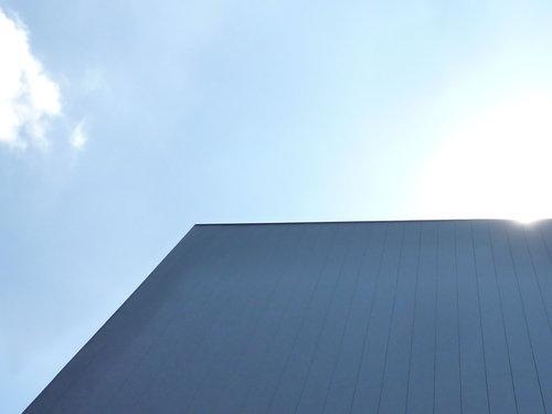 外壁の黒ガルバリウムが貼られました~建築工程レポート