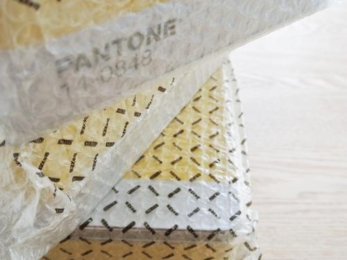 PANTONE-CAN_001