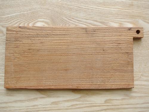 工房イサドのカッティングボード(杉)_003