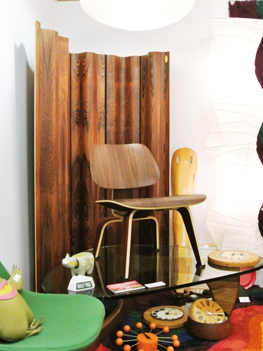 eames-brazilian-rosewood-collections_011_m