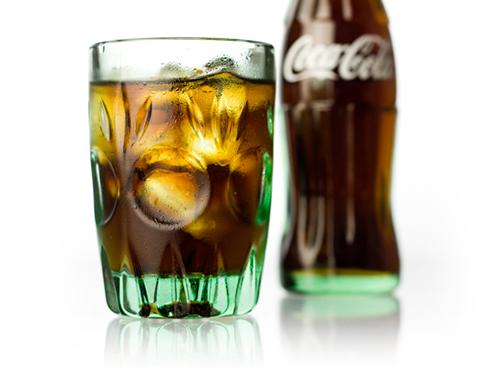 記念すべきコカ・コーラ瓶で作ったコーラグラス