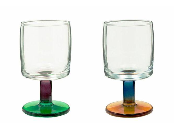 老舗メーカーの定番品+オリジナルの色付け=お手頃かわいいワイングラス
