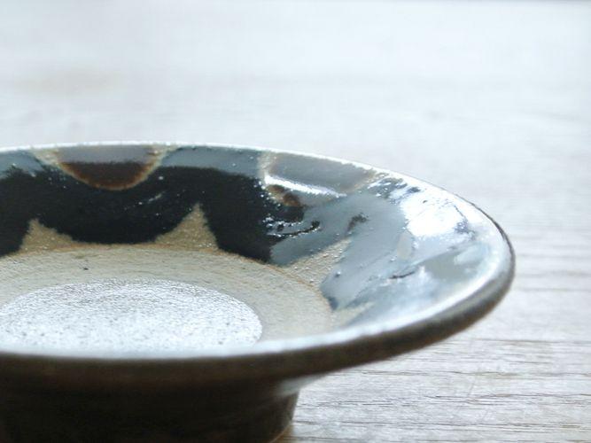「北窯のやちむん」展で買った力強い小皿