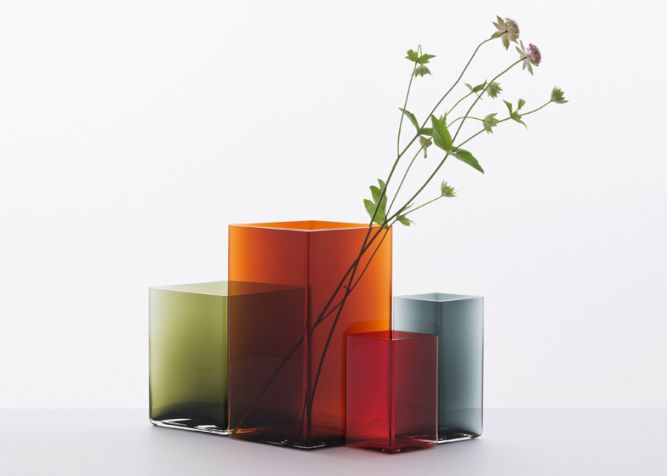 Ruutu-vases-by-Bouroullec-brothers-for-Iittala_006