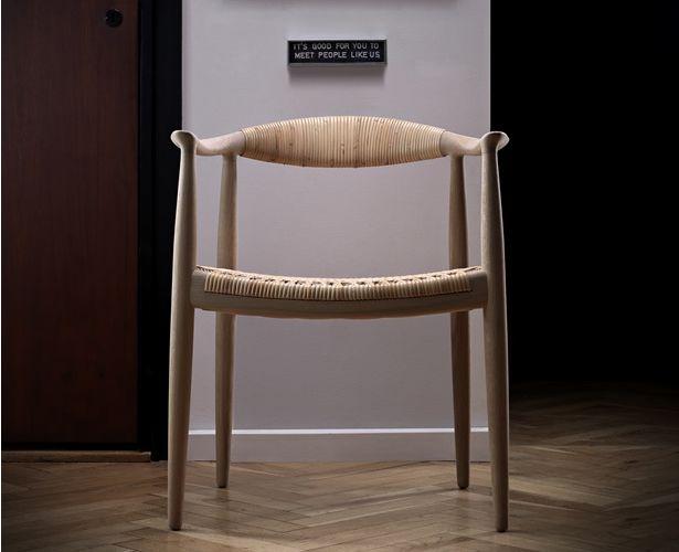「椅子の中の椅子」のオリジナルバージョン