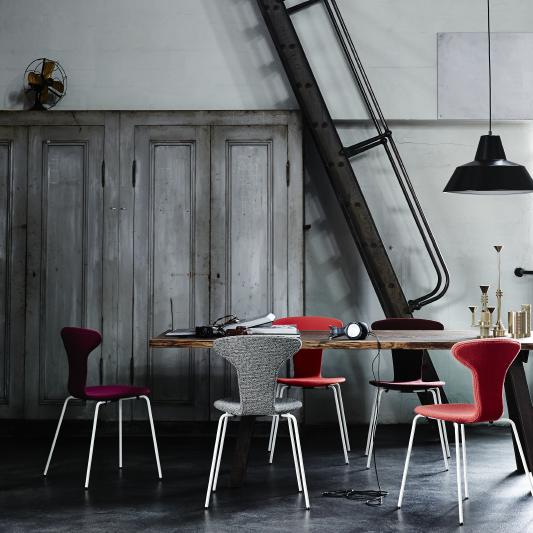 Arne Jacobsen Munkegaard chair_001