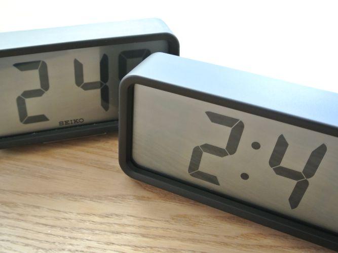 無印良品「デジタル時計」とセイコー「STANDARD デジタル」を比べてみました