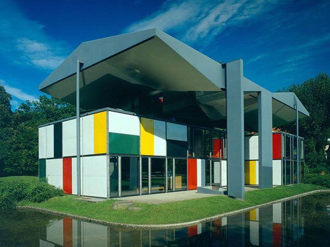 USMもネフも…「スイスデザイン展」開催