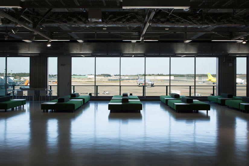 無印良品が成田空港向けに作ったソファ、一般発売