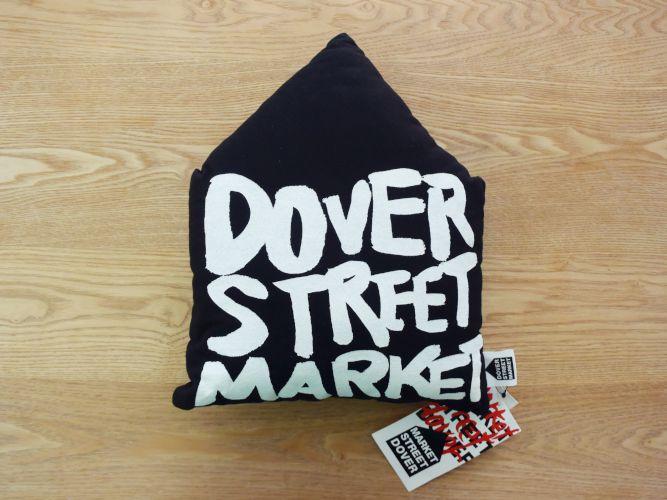DOVER STREET MARKET_001