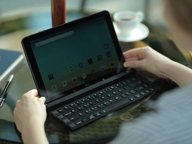 LG reveals rollable desktop keyboard_002