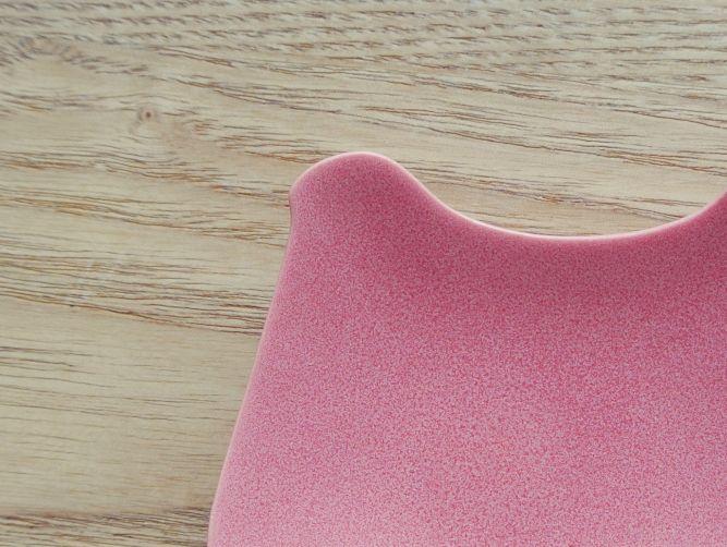 イイホシユミコ(yumiko iihoshi porcelain)「tori plate」のピンク