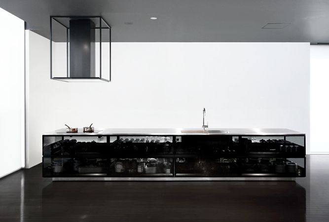 吉岡徳仁デザイン、トーヨーキッチンスタイルの透明なキッチン
