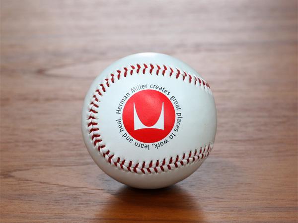 ハーマンミラーの野球ボール!?