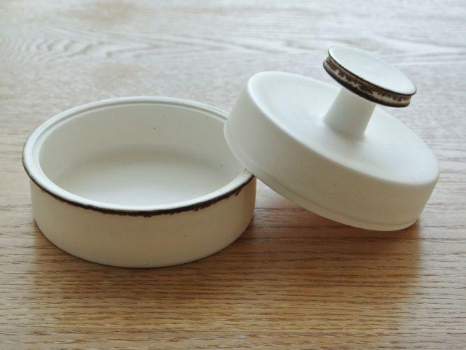 yumiko iihoshi porcelain Sugar Pot_001