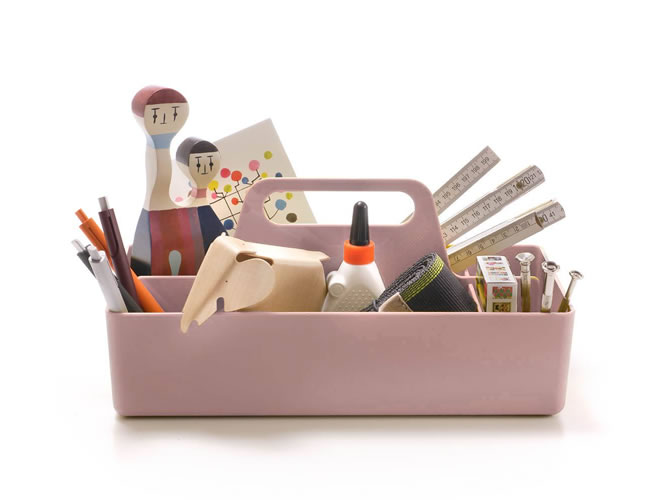 vitra-pop-up-store_toolbox-pink_001
