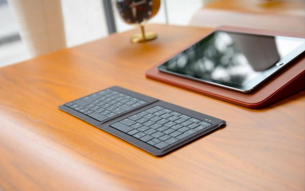 herman_miller_x_microsoft_universal-foldable-keyboard_001