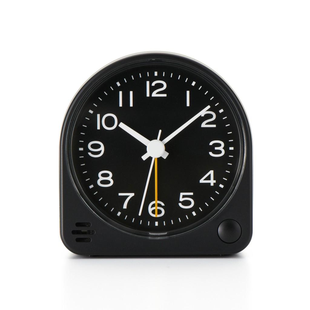 無印良品の「アナログ目覚まし時計」、ブラックは限定品なんですね