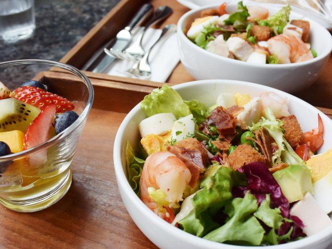 Cobb Salad park hyatt tokyo delicatessen_003