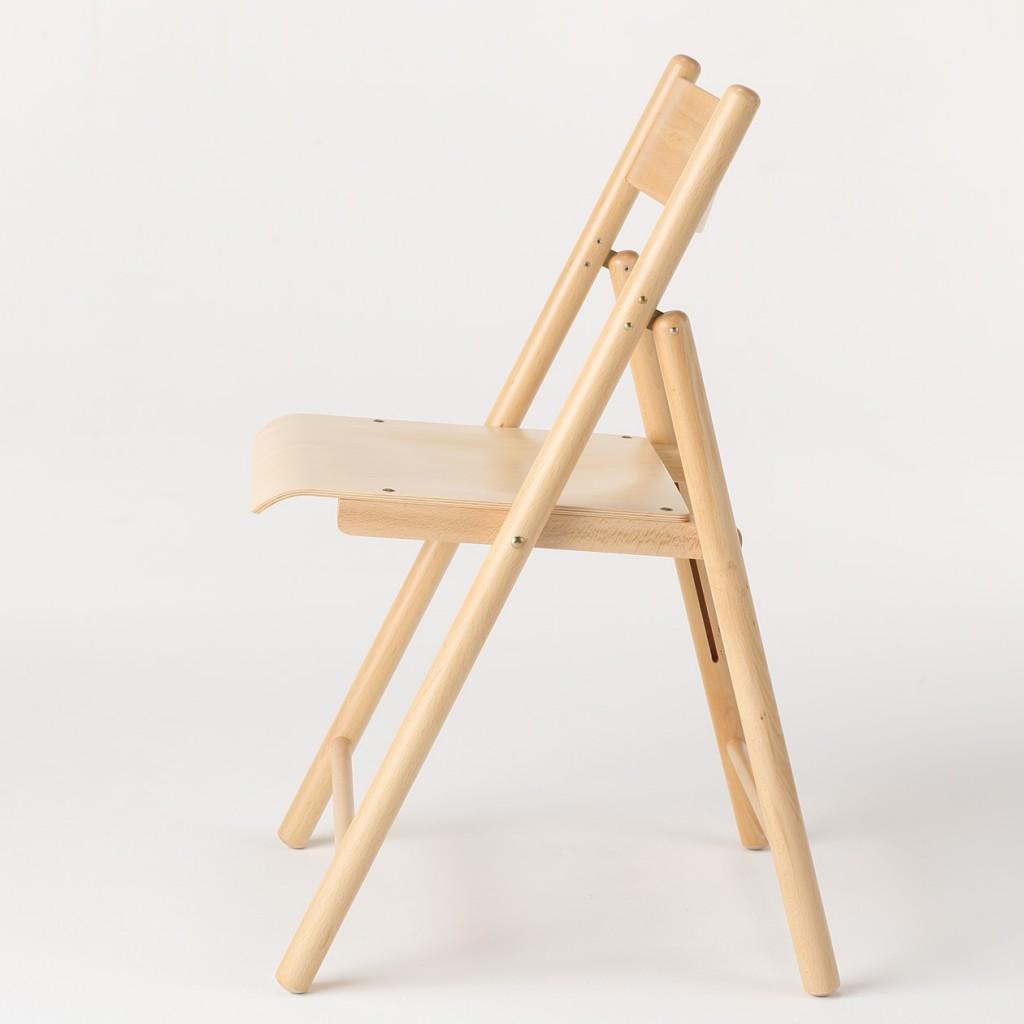 モデルチェンジ?無印良品の木の折りたたみ椅子