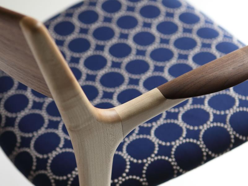 京都「finger marks」のミナペルホネン「tambourine」のオリジナル椅子