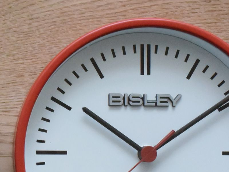 BISLEY CLOCK RED_001