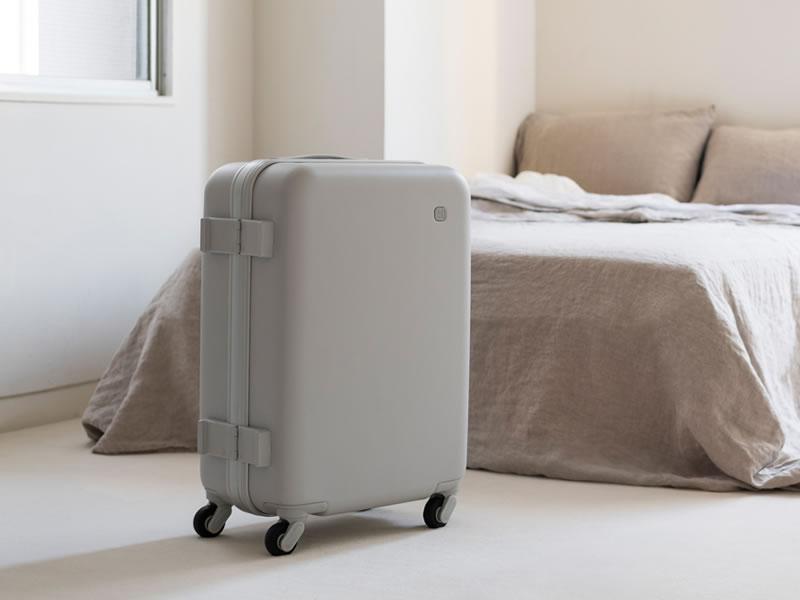 ±0(プラスマイナスゼロ)の新商品はスーツケース