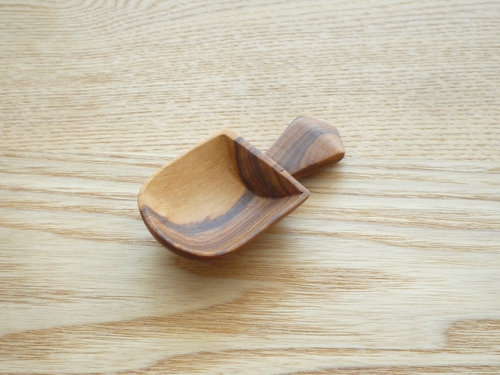 CINQ plus woodspoon001