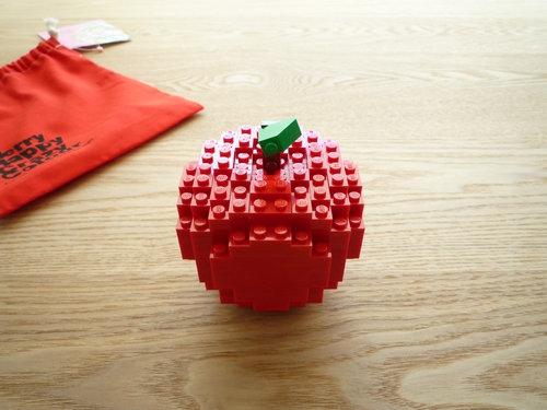 COMME des GARCONS(コムデギャルソン) クリスマス企画 2010 LEGO(レゴ)ッブロックコラボ リンゴ006