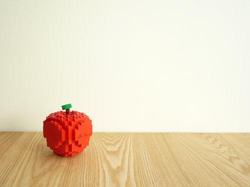 COMME des GARCONS(コムデギャルソン) クリスマス企画 2010 LEGO(レゴ)ッブロックコラボ リンゴ008
