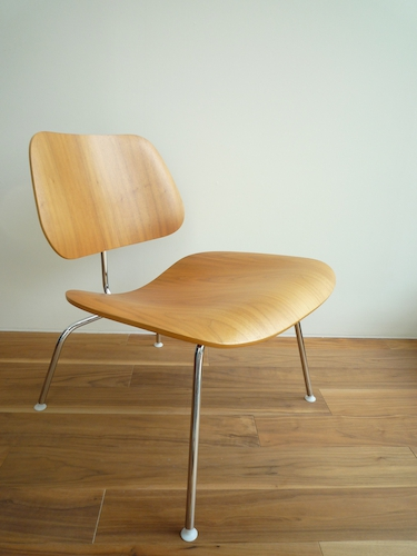 Eames Plywood Lounge Chair LCM 002