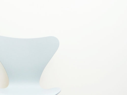 Seven Chair Lacquered Primer grey by Fritz Hansen 001