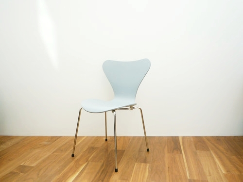 Seven Chair Lacquered Primer grey by Fritz Hansen 002