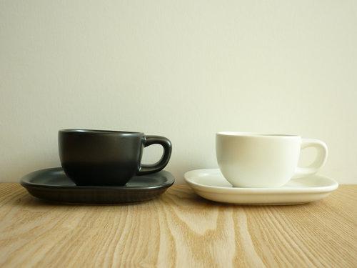 柳宗理のセラミックコーヒーカップ&ソーサーは来客時用 002