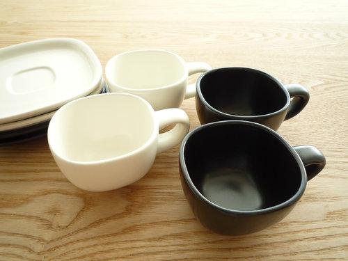 柳宗理のセラミックコーヒーカップ&ソーサーは来客時用 003