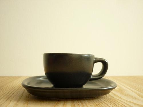 柳宗理のセラミックコーヒーカップ&ソーサーは来客時用 006
