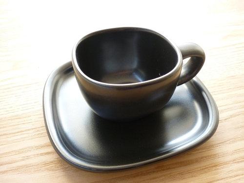 柳宗理のセラミックコーヒーカップ&ソーサーは来客時用 008