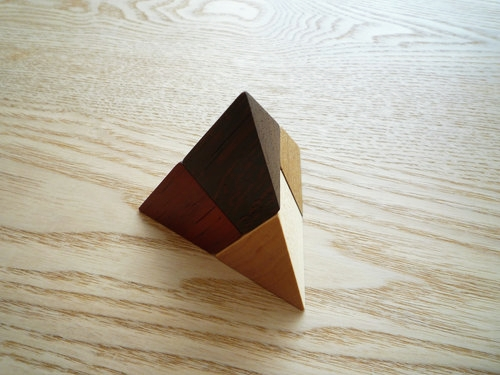 広松木工のGIOCARE ピラミッドパズル002