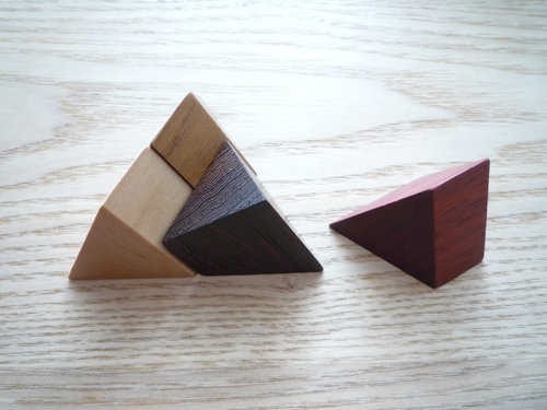 広松木工のGIOCARE ピラミッドパズル003