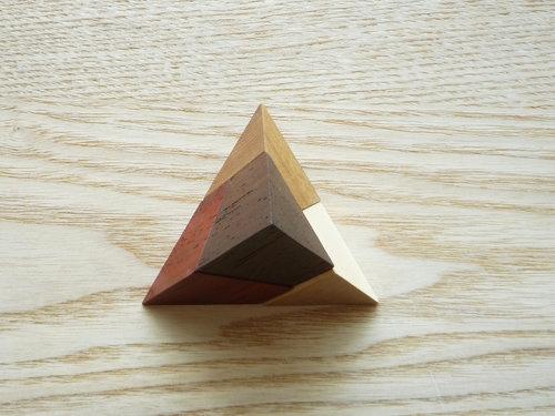広松木工のGIOCARE ピラミッドパズル004