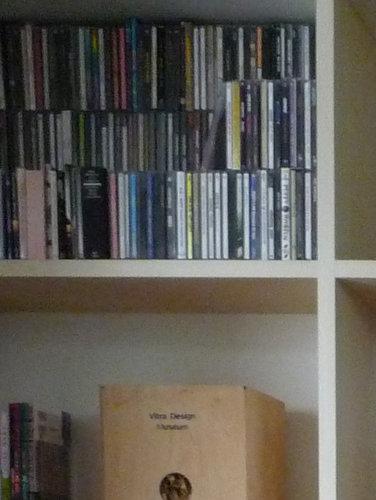 壁一面の作り付け本棚4 CD
