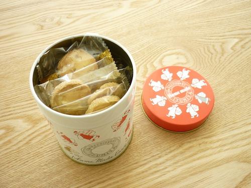 泉屋クリスマス限定丸缶クッキー4