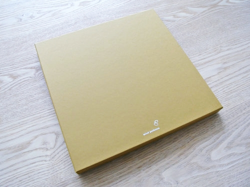 minä perhonen(ミナ ペルホネン)の「tray」(トレイ)が届きました  001