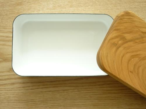 野田琺瑯のバターケース 004