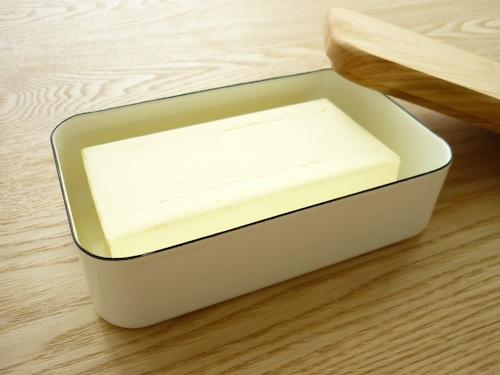 野田琺瑯のバターケース 005