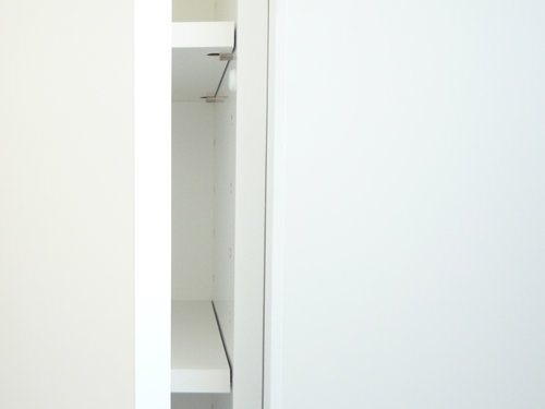 sanitary closet 001